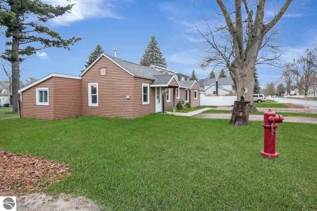 618 Pine Street, Elk Rapids, MI 49629 (MLS #1874597) :: Team Dakoske | RE/MAX Bayshore