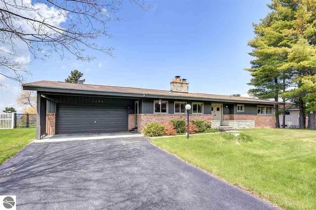 3399 Scenic Hills Drive, Williamsburg, MI 49690 (MLS #1874625) :: Michigan LifeStyle Homes Group