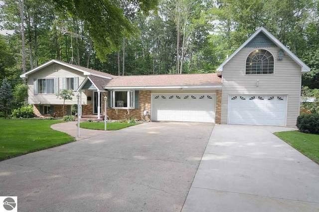 10667 Pine Grove Drive, Cadillac, MI 49601 (MLS #1874816) :: CENTURY 21 Northland