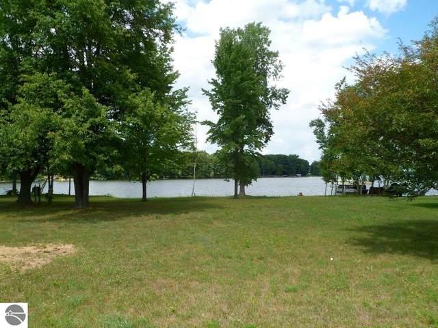1246 Clubhouse Drive, Lake Isabella, MI 48893 (MLS #1874878) :: Boerma Realty, LLC