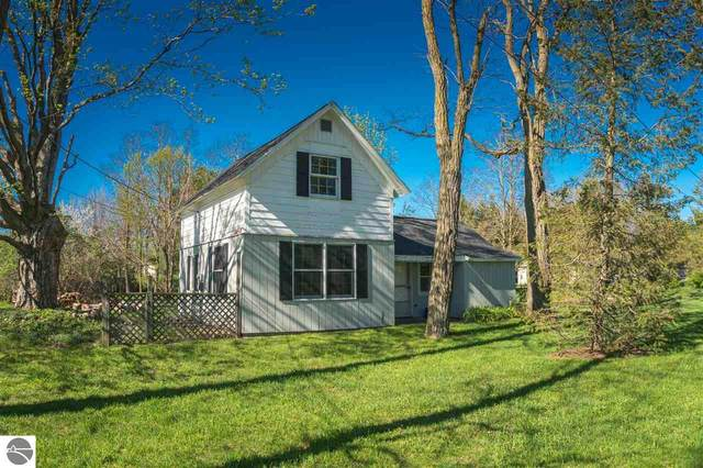 3817 Wemple Road, Traverse City, MI 49686 (MLS #1874932) :: Michigan LifeStyle Homes Group