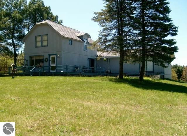 335 W Sharon Road, Sw, Fife Lake, MI 49633 (MLS #1874973) :: CENTURY 21 Northland