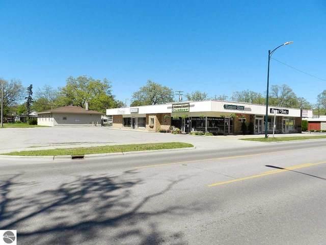 1019 E Eighth Street, Traverse City, MI 49686 (MLS #1875179) :: Team Dakoske | RE/MAX Bayshore