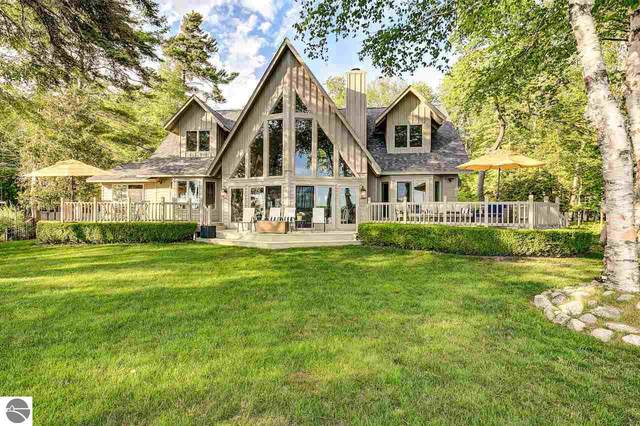 7021 W Day Forest Road, Empire, MI 49630 (MLS #1875231) :: Michigan LifeStyle Homes Group