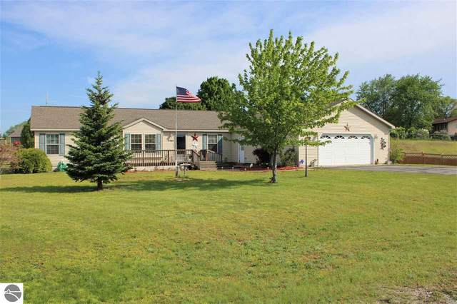 3764 Fieldcrest Lane, Traverse City, MI 49685 (MLS #1875291) :: Michigan LifeStyle Homes Group