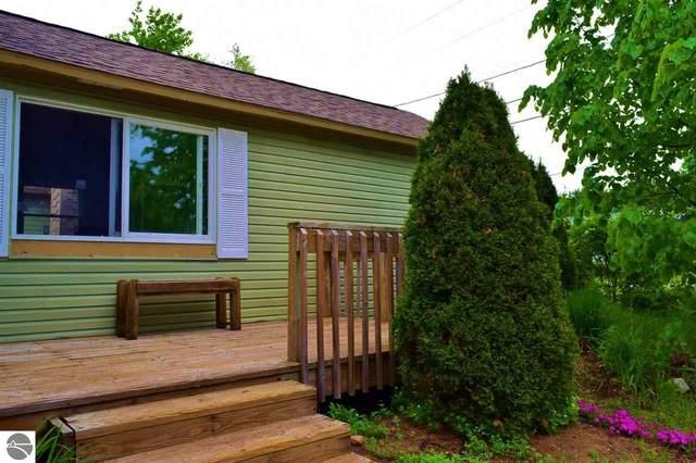 609 N Walnut, Kalkaska, MI 49646 (MLS #1875310) :: Michigan LifeStyle Homes Group