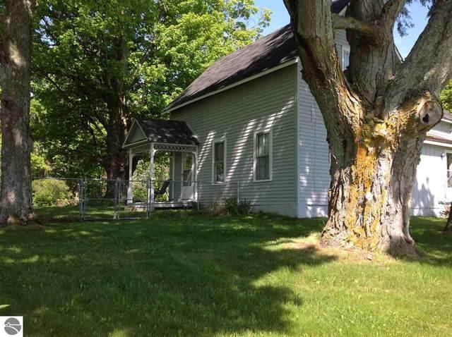 3823 Old Mission Road, Traverse City, MI 49686 (MLS #1875322) :: Boerma Realty, LLC