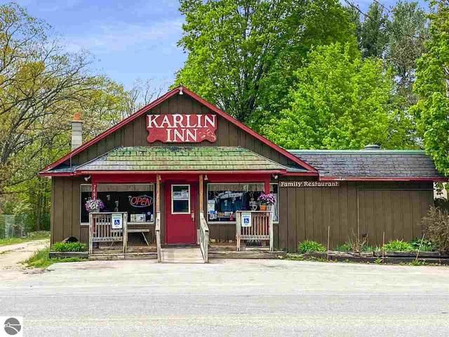 7484 Karlin Road, Traverse City, MI 49643 (MLS #1875375) :: Brick & Corbett