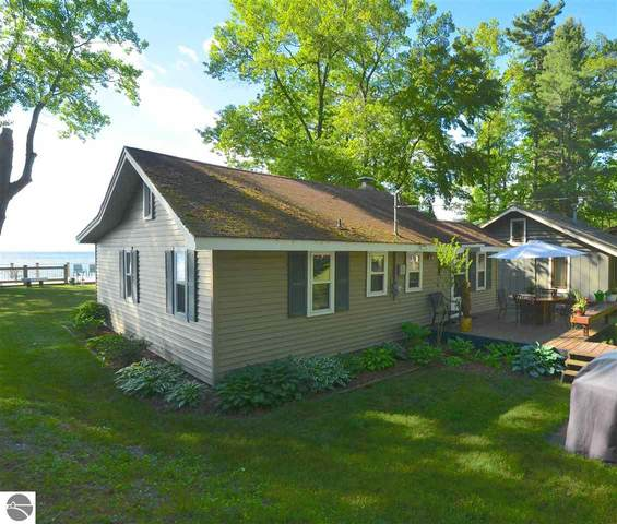 910 Huron, East Tawas, MI 48730 (MLS #1875557) :: Michigan LifeStyle Homes Group