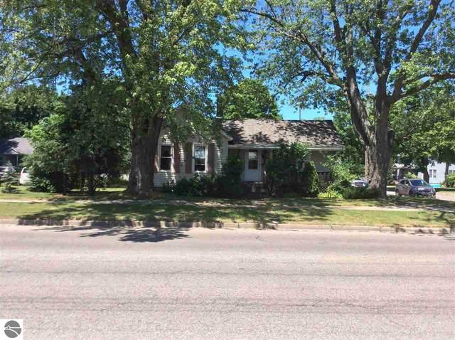 402 Haynes Street, Cadillac, MI 49601 (MLS #1875851) :: Michigan LifeStyle Homes Group