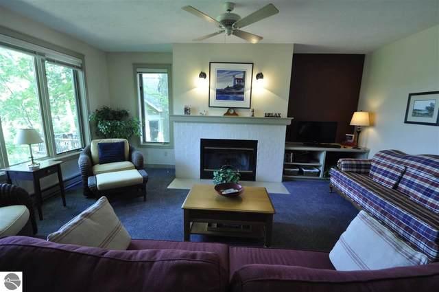 7D Brook Hill Condo, Glen Arbor, MI 49636 (MLS #1876109) :: Michigan LifeStyle Homes Group