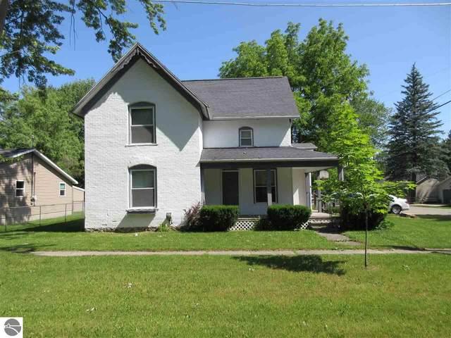 302 W Cottage Avenue, Shepherd, MI 48883 (MLS #1876352) :: Boerma Realty, LLC