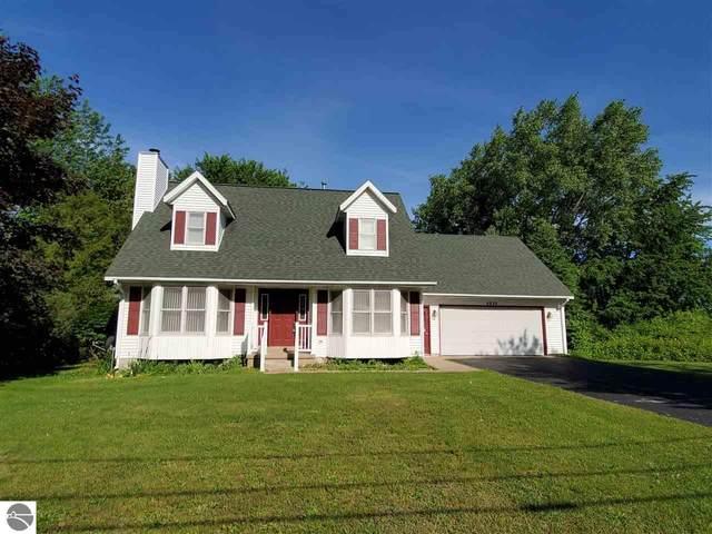 6820 E Harbor Drive, Elk Rapids, MI 49629 (MLS #1876447) :: Brick & Corbett