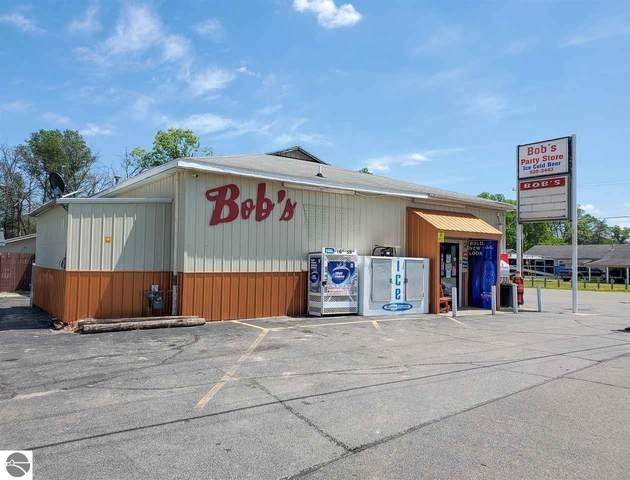 4012 N Clare Avenue, Harrison, MI 48625 (MLS #1876760) :: Michigan LifeStyle Homes Group