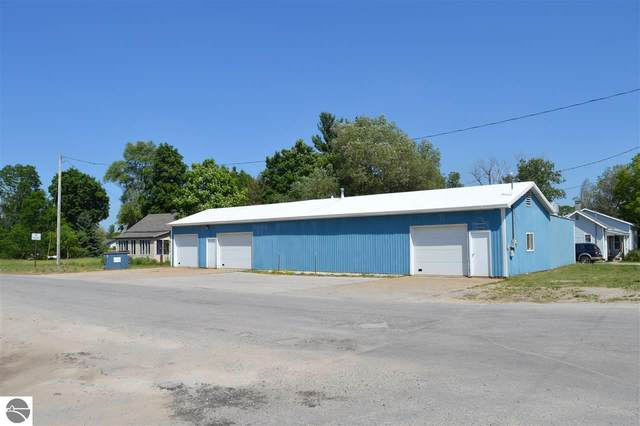 319 Pine Street, Kalkaska, MI 49646 (MLS #1876781) :: Team Dakoske | RE/MAX Bayshore