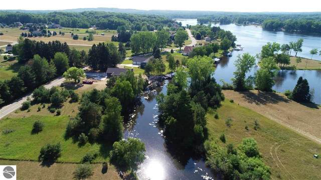 2007 Channel Drive West, Lake Isabella, MI 48893 (MLS #1876844) :: Brick & Corbett