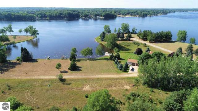 2005 Channel Drive West, Lake Isabella, MI 48893 (MLS #1876845) :: Brick & Corbett