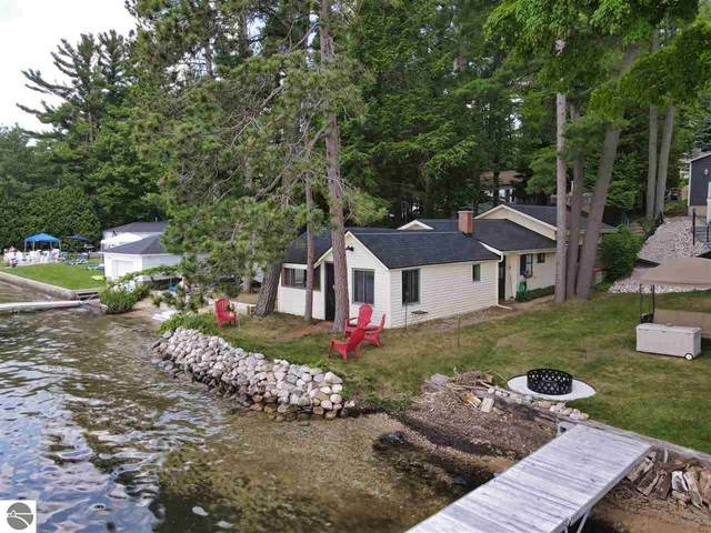 9307 Long Lake Road, N, Traverse City, MI 49685 (MLS #1876933) :: Team Dakoske | RE/MAX Bayshore