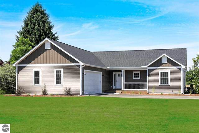 600 Village Court, Traverse City, MI 49685 (MLS #1876934) :: Team Dakoske | RE/MAX Bayshore