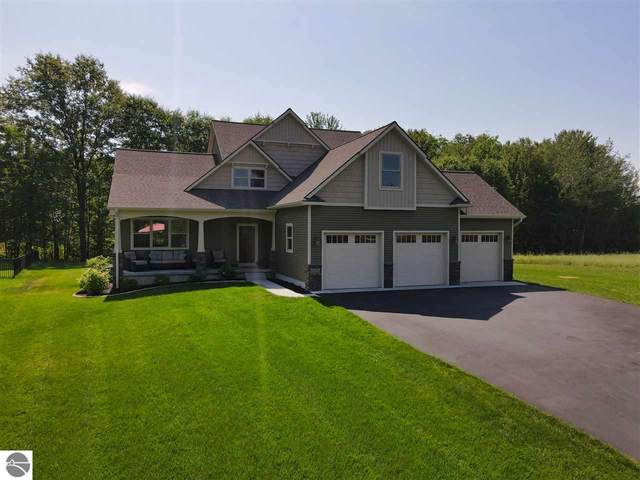3252 Huellmantel Drive, Traverse City, MI 49685 (MLS #1876942) :: Team Dakoske | RE/MAX Bayshore