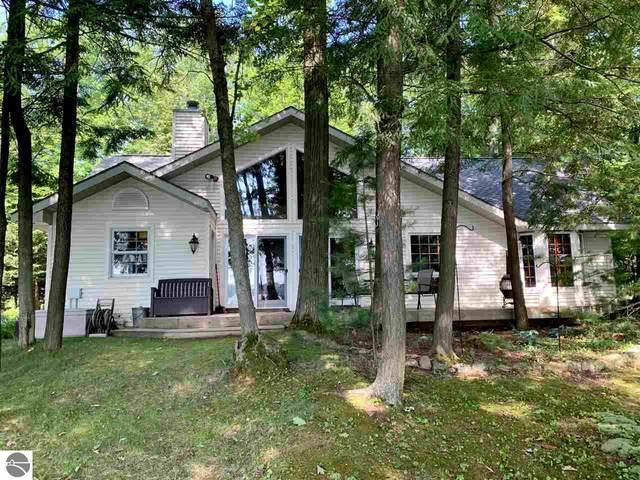 6845 Timber Lake Drive, Elk Rapids, MI 49629 (MLS #1877056) :: Brick & Corbett