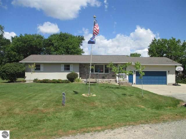 339 Schoolcrest Drive, Shepherd, MI 48883 (MLS #1877078) :: Boerma Realty, LLC