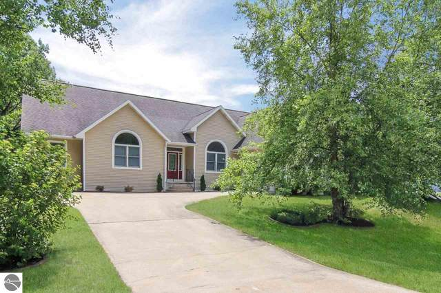 4452 Stoneridge Drive, Traverse City, MI 49684 (MLS #1877090) :: Team Dakoske | RE/MAX Bayshore