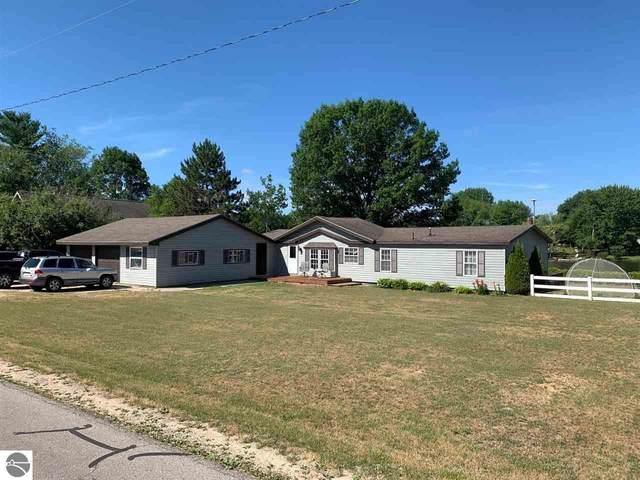 348 Gitchegumee Drive, Buckley, MI 49620 (MLS #1877284) :: Brick & Corbett