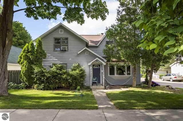816 Randolph Street, Traverse City, MI 49684 (MLS #1877310) :: Brick & Corbett