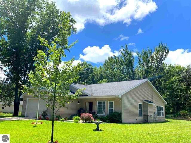 8696 Stream View Lane, Williamsburg, MI 49690 (MLS #1877394) :: Michigan LifeStyle Homes Group