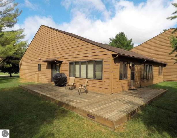 140 North Shore Drive West, Cadillac, MI 49601 (MLS #1877486) :: Michigan LifeStyle Homes Group