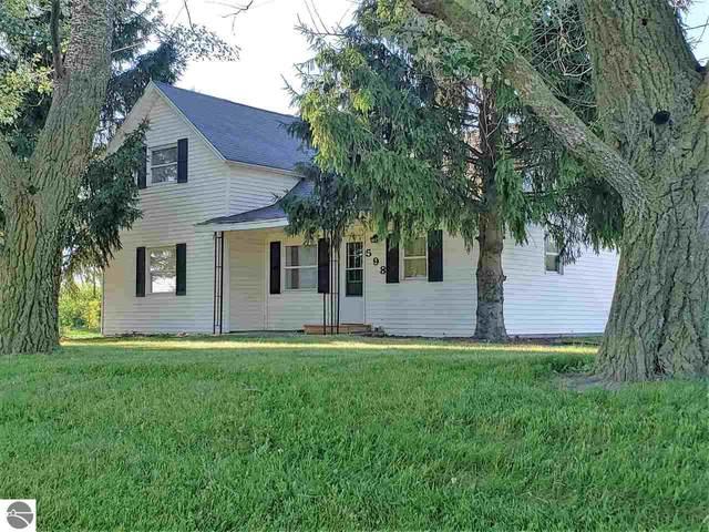 598 W Chapman Road, Mt Pleasant, MI 48858 (MLS #1877512) :: Michigan LifeStyle Homes Group