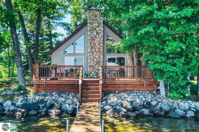 7357 Shore Road, Ne, Kalkaska, MI 49646 (MLS #1877563) :: Michigan LifeStyle Homes Group