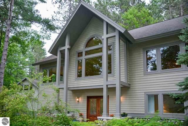 4678 Lands End Road, Traverse City, MI 49686 (MLS #1877578) :: Michigan LifeStyle Homes Group