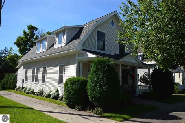 422 N Saint Marys Street, Suttons Bay, MI 49682 (MLS #1877625) :: CENTURY 21 Northland