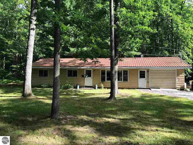 7278 W Higgins Lake Drive, Roscommon, MI 48653 (MLS #1877681) :: CENTURY 21 Northland