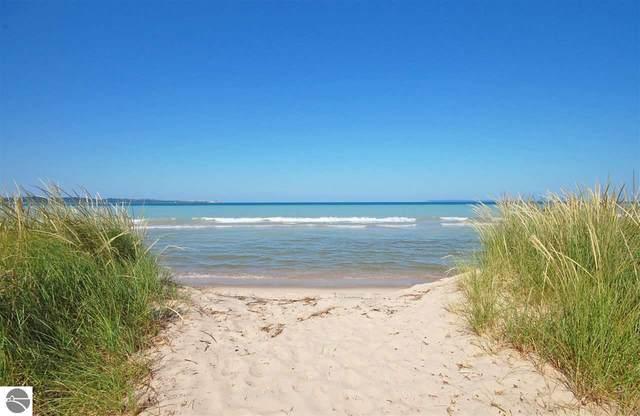 7 Crystal Beach, Glen Arbor, MI 49636 (MLS #1877983) :: CENTURY 21 Northland