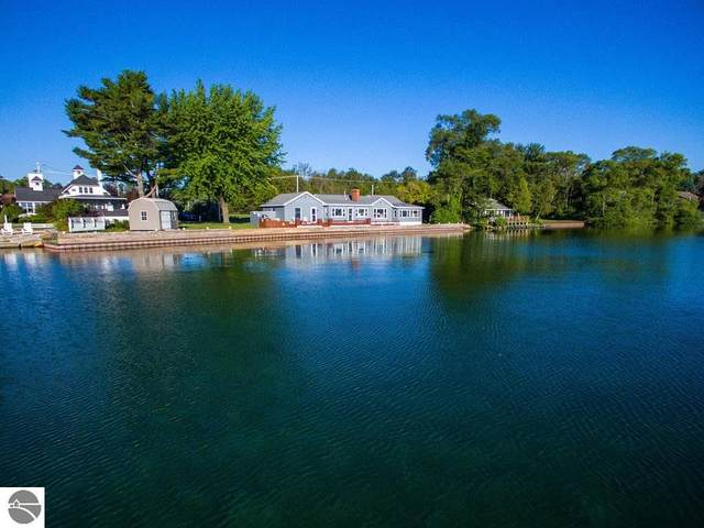 111 S Shore Drive, Suttons Bay, MI 49682 (MLS #1878065) :: Michigan LifeStyle Homes Group