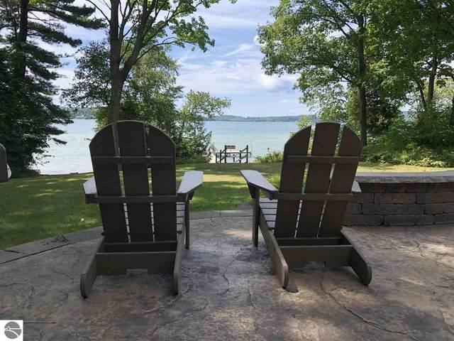 1589 N Lake Leelanau Drive, Lake Leelanau, MI 49653 (MLS #1878168) :: CENTURY 21 Northland