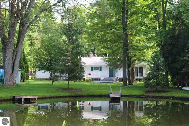 3762 Peninsular Shores Drive, Grawn, MI 49643 (MLS #1878171) :: CENTURY 21 Northland