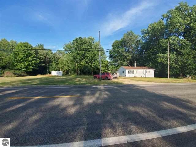5728 N Lumberjack Road, Riverdale, MI 48877 (MLS #1878180) :: CENTURY 21 Northland