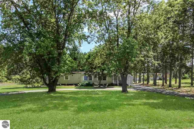 2849 North Drive, Traverse City, MI 49685 (MLS #1878209) :: CENTURY 21 Northland