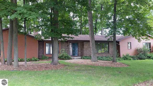 8799 Dawn Circle, Traverse City, MI 49686 (MLS #1878224) :: Michigan LifeStyle Homes Group