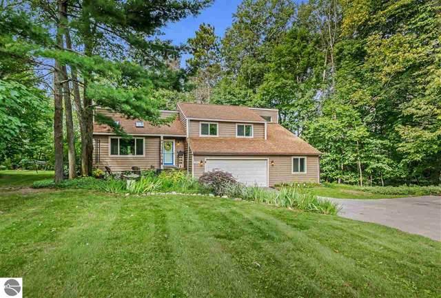 3762 Manchester Road, Traverse City, MI 49686 (MLS #1878282) :: Michigan LifeStyle Homes Group