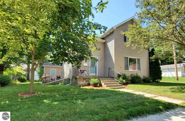 416 Liberty, Alma, MI 48801 (MLS #1878307) :: Michigan LifeStyle Homes Group