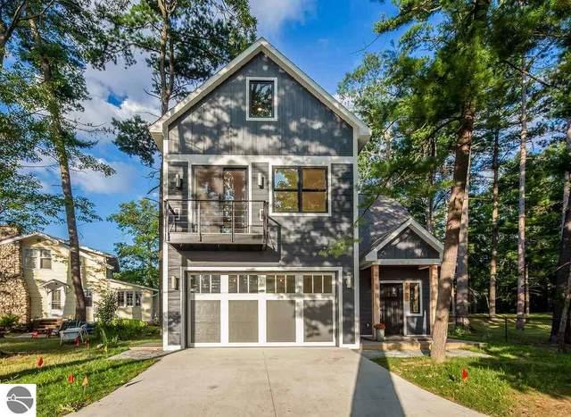 608 Ahgosa Trail, Traverse City, MI 49686 (MLS #1878335) :: Michigan LifeStyle Homes Group
