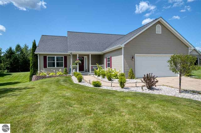 698 Clyde Lee, Traverse City, MI 49696 (MLS #1878358) :: CENTURY 21 Northland