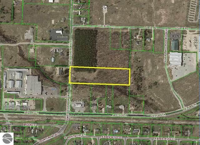 000 West Silver Lake Road, Traverse City, MI 49684 (MLS #1878373) :: CENTURY 21 Northland