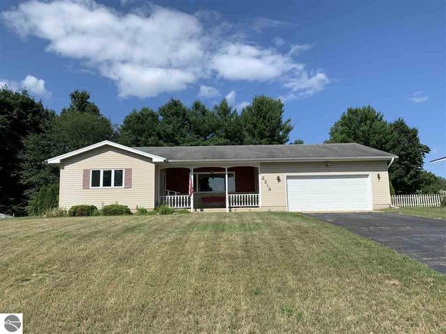 2315 E Carriage Hill Drive, Traverse City, MI 49686 (MLS #1878381) :: CENTURY 21 Northland