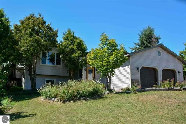 8606 E Lincoln Road, Cedar, MI 49621 (MLS #1878385) :: Michigan LifeStyle Homes Group